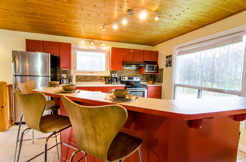 Stay at Blue Mountain offers a kitchen at the Claire Glen chalet that is fully equipped for your use