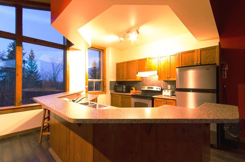 Stay at Blue Mountain offers a kitchen at the Mountain View 1 chalet that is fully equipped for your use