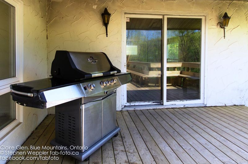 Stay at Blue Mountain offers a fully equipped kitchen in this chalet from Claire Glen alongside an outdoor grill