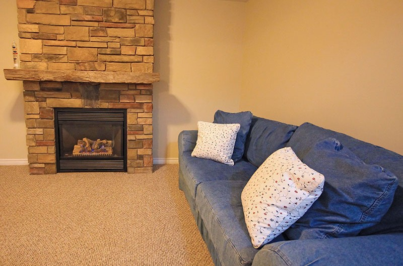 106 Birchview comes with a gas fireplace for your comfort and warmth on those cold evenings in this chalet rental from Stay at Blue Mountain