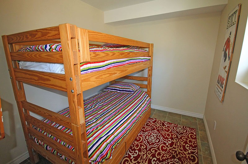 Stay at Blue Mountain bedroom in the chalet located at 106 Birchview that features bunk beds
