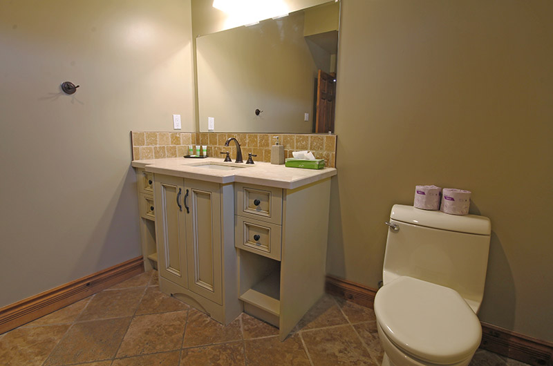 Ski resort chalet available from Stay at Blue Mountain with a full bathroom such as the one pictured here at 109 Plater St