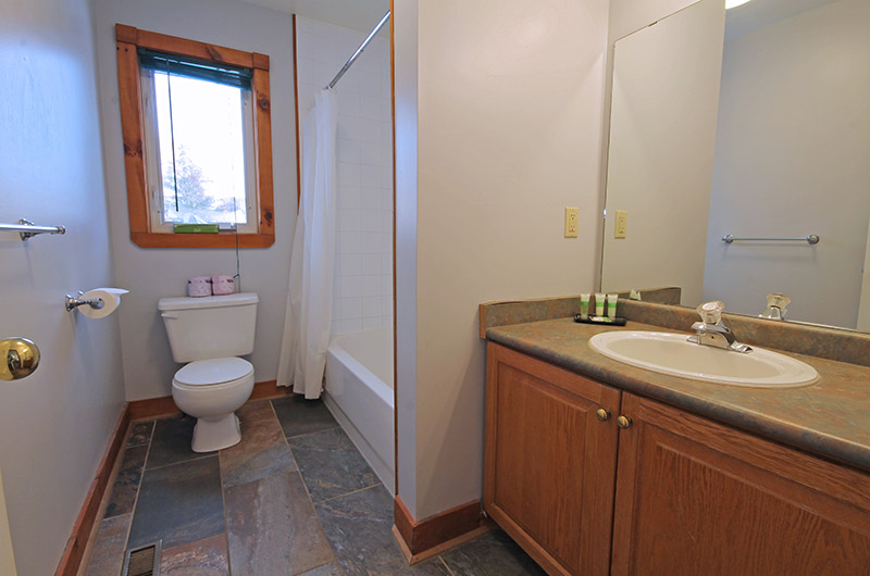 Ski resort chalet available from Stay at Blue Mountain with a full 4 piece bathroom such as the one pictured here at Summit Ridge 5