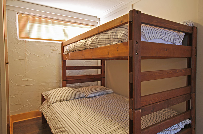 Stay at Blue Mountain bedroom in the chalet located at 128 Birchview that features bunk beds