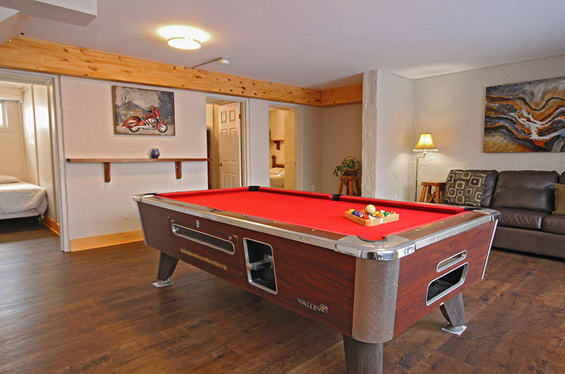 The 128 Birchview location comes equipped with a pool table your enjoyment at this chalet offered from Stay at Blue Mountain