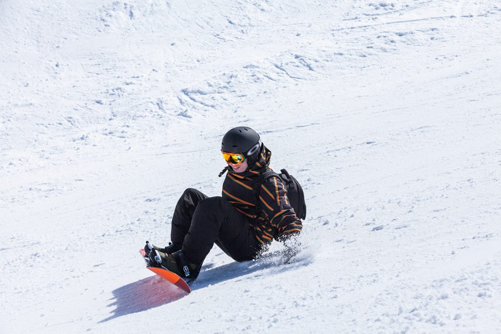 Stay at Blue Mountain shares tips on how to snowboard for beginners